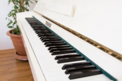 Klavier im Wohnzimmer